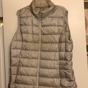 Eddie Bauer EB 360 gray vest